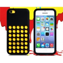 Coque Perforée en silicone Noire - iPhone 5C